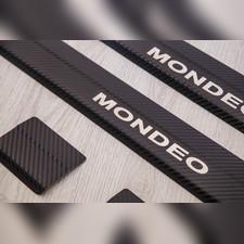 """Накладки на внутренние пороги с логотипом модели, Ford Mondeo 2014 - нв, серия """"Premium Carbon"""""""