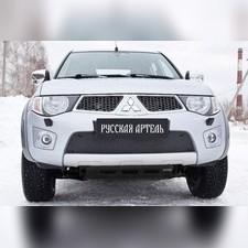 Зимняя заглушка решетки переднего бампера Mitsubishi L200 2010-2015