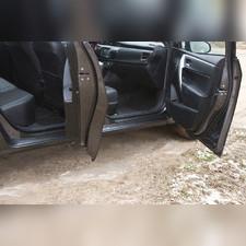 Накладки на внутренние пороги дверей Toyota Corolla (седан) 2012-2018