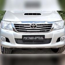 Защитная сетка переднего бампера Toyota Hilux 2012-2015
