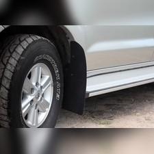 Брызговики (широкие) с выносом 50мм Toyota Hilux 2011-2015