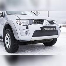 Зимняя заглушка решетки переднего бампера Mitsubishi Pajero Sport 2008—2013