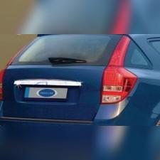 Накладка над номером на крышку багажника SW