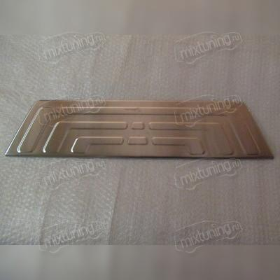 Накладка на задний бампер (полированная)