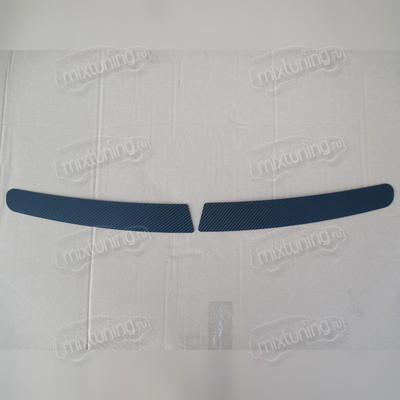 Накладка на задний бампер (карбон)