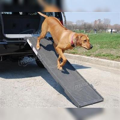 Универсальная ступенька для собак можно заказать с ножками для получения столика для пикников