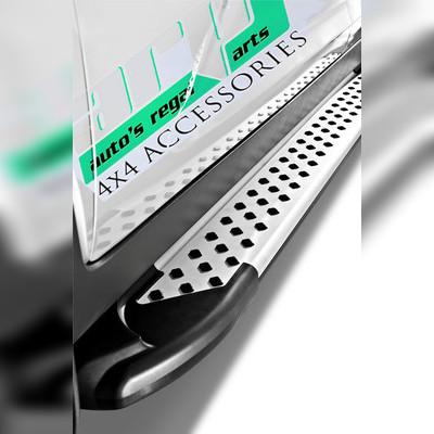"""Комплект алюминиевых порогов, модель """"Artemis"""" (для короткой базы)"""