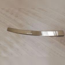Накладка на задний бампер с загибом (сталь)