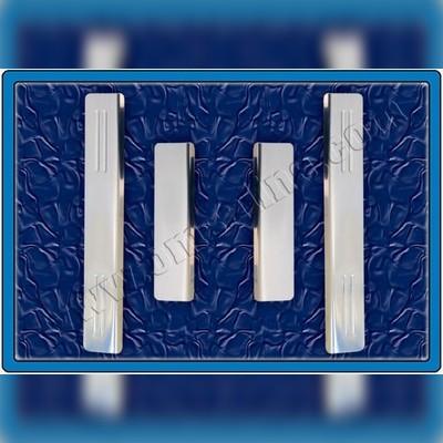 Накладки на дверные пороги с логотипом