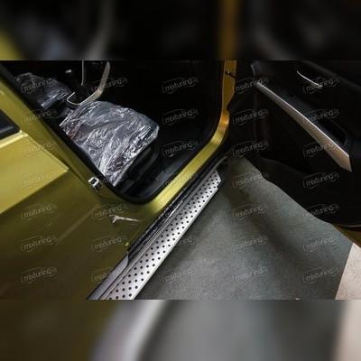 Комплект алюминиевых порогов, модель (Sapphire)
