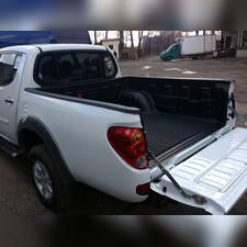 Ковер-вставка в кузов (с заходом на борт)