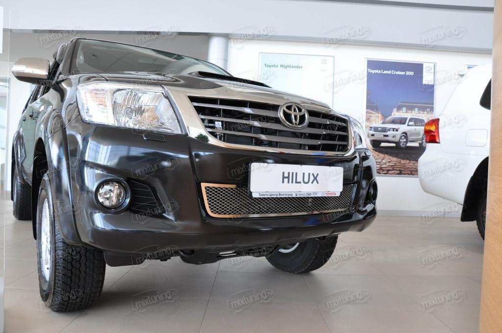 установка сетки радиатора Toyota Hilux #11