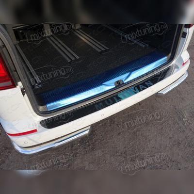 Накладка на задний бампер (лист зеркальный, с названием модели автомобиля)