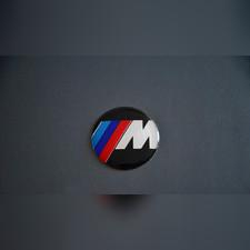 """Эмблема на руль """"M"""""""